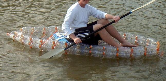 Perahu Kayak Dari Daur Ulang Botol Plastik