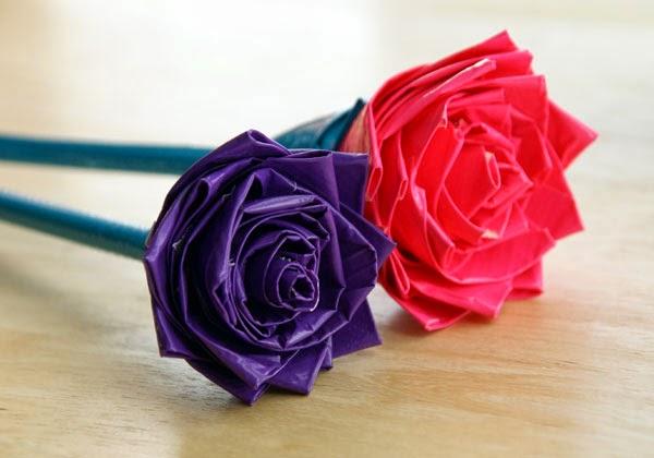 Bunga Mawar Dari Sedotan Via Theideaking.blogspot.com