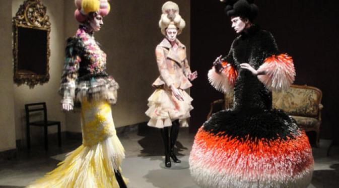 Fashion Baju Pesta Dari Sedotan Via Rumahkreative.id