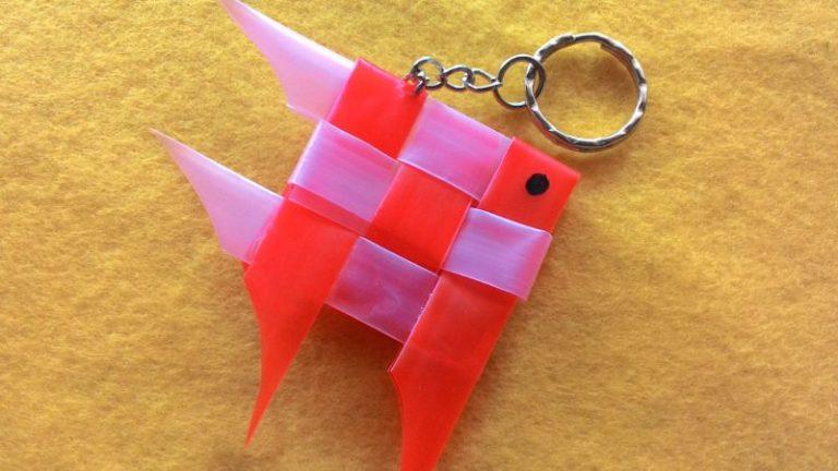 Gantungan Kunci Ikan Dari Sedotan Plastik