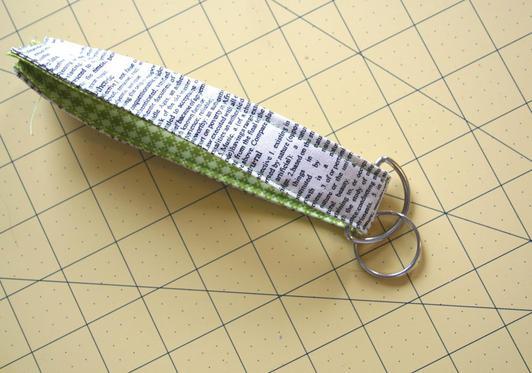 Kerajinan Gantungan Kunci Dari Flanel Via Www.allfreesewing.com