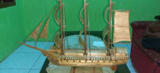 Kerajinan Miniatur Perahu