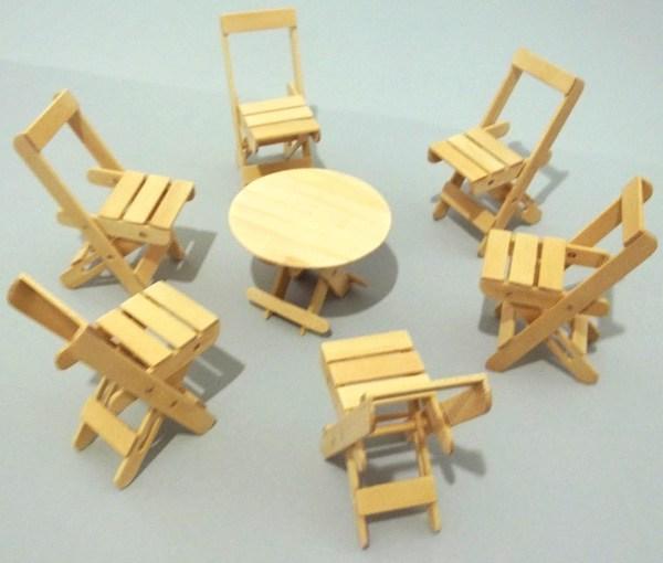 Kerajinan Tangan Dari Stik Es Krim Dengan Bentuk Kursi Dan Meja