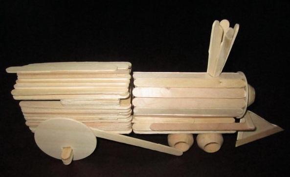 Lokomotif Mainan Dari Stik Es Krim
