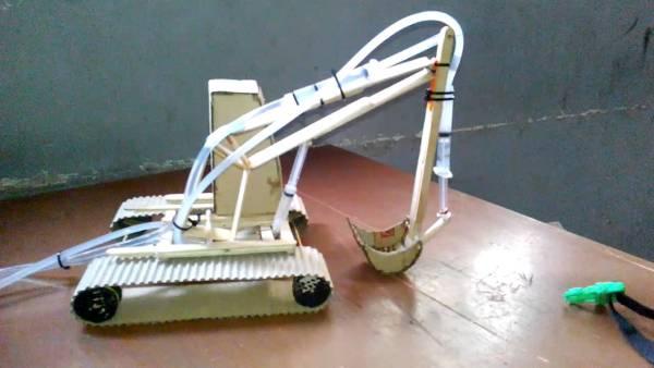 Mainan Mesin Escavator Dari Stik Es Krim