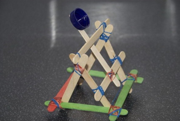 Pelontar Mainan Dari Stik Es Krim