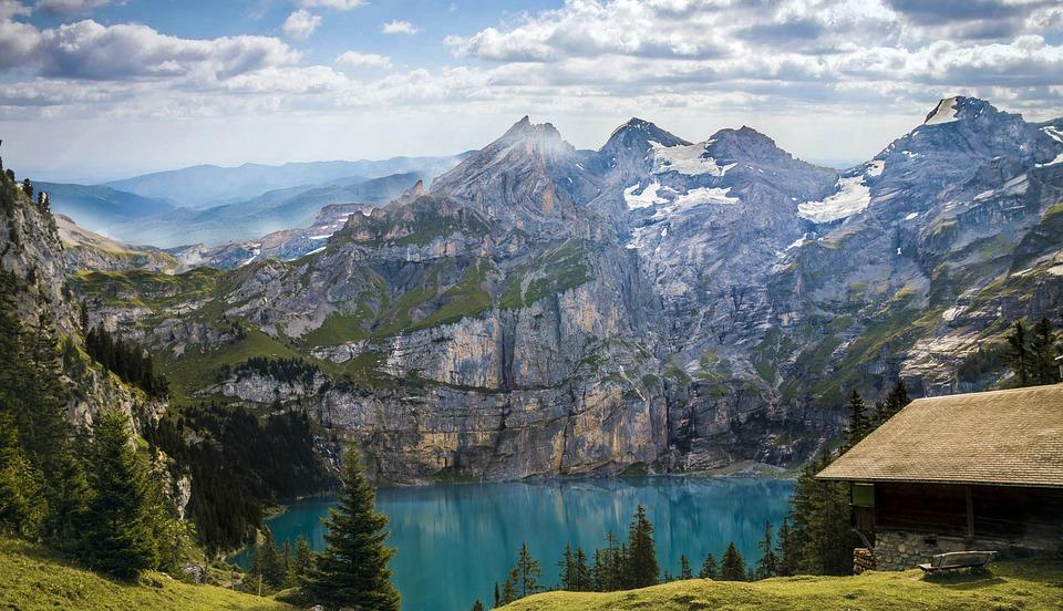 Pemandangan Indah Danau Bergsee Di Sisi Gunung Jerman