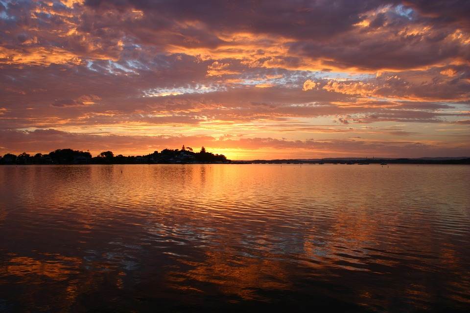 Pemandangan Sunset Indah Di Danau Macquarie