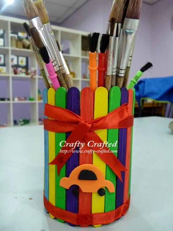 Tempat Pensil Dengan Warna Pelangi