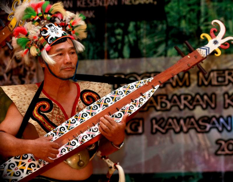 Sampek Alat Musik Dari Tanah Dayak