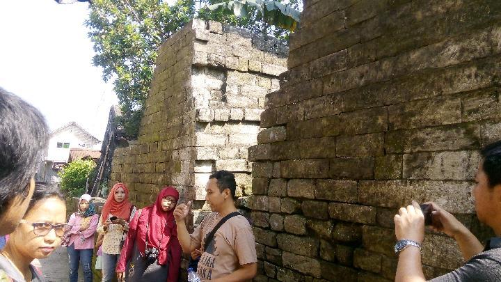 Dinding Benteng Cepuri Yang Jebol