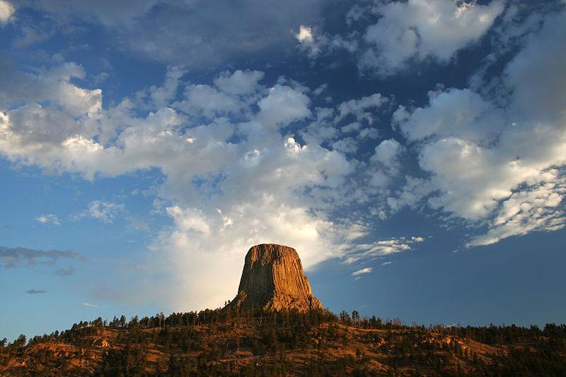 Contoh Bukit Sisa Butte Devils Tower Di Wyoming