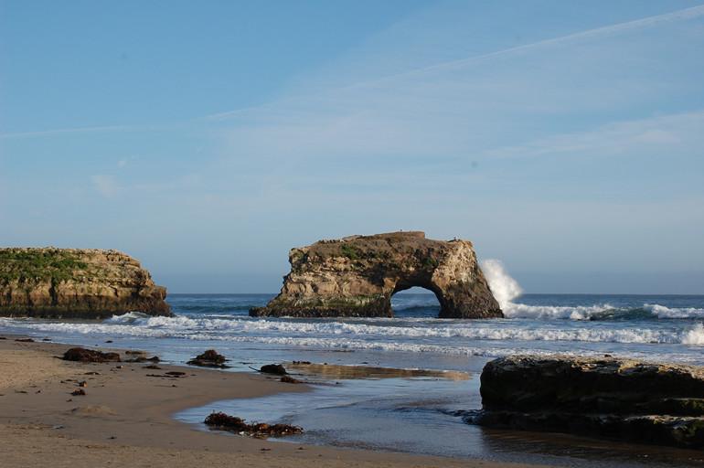 Contoh Jembatan Alam Dari Natural Bridges State Beach