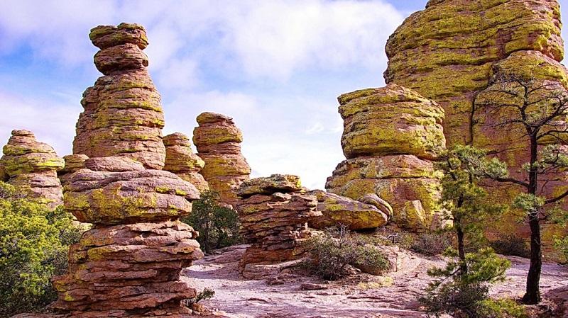 Contoh Monumen Alam Di Chiricahuam Arizona, Amerika Serikat